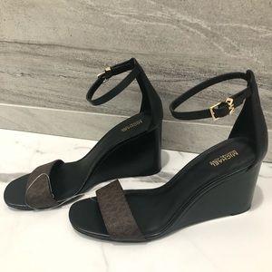NEW! Micheal Kors wedge sandals